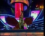 SAHARA AWARDS 2010 SHAHRUKH KHAN DANCE WITH SANIA _ SHOAIB MALIK - YouTube