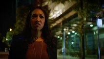 The Flash 1x08: Flash Vs. Arrow (Arrow Crossover Fight Scene)