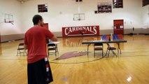 Zach LaVine Dunk avec n'importe quoi : contest de dunks avec un ballon de football américain