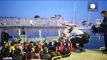 """Migranti: commissione Ue propone di """"ricollocare"""" 40mila richiedenti asilo"""