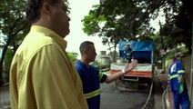 Funcionários da prefeitura discutem o que é arte e quais graffitis apagar- CENA DE CIDADE CINZA