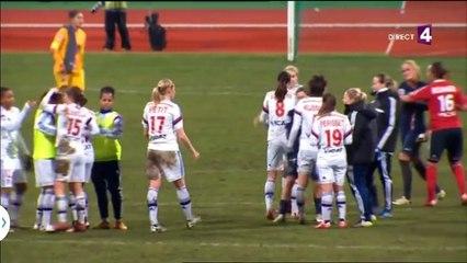 Communion avec les joueuses après PSGFéminin / OLFéminin du 21/02/15