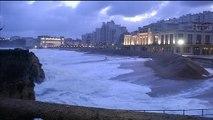 Biarritz: des vagues de sept à huit mètres attendues dans la matinée