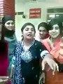یہ ہیں جی پنجاب کالج کی خوبصورت لڑتی لڑکیاں