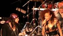 Anniversaire JLL 22/12/2014 au Théâtre Déjazet accompagné de ses musiciens et choristes....