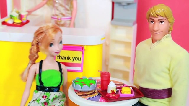 AllToyCollector Frozen Anna MEETS Anna Disney Princess Doll Barbie McDonalds Playset