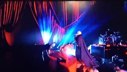 Madonna falling