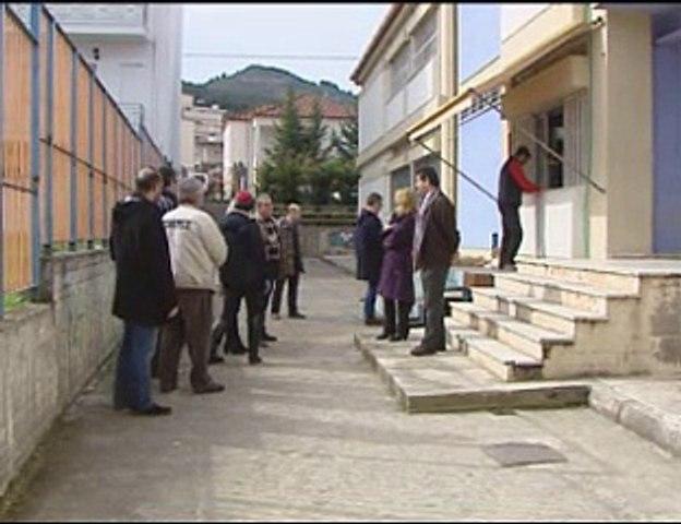 Πρόταση υιοθεσίας των αδέσποτων κατέθεσε η Γ. Πούλου. Απομακρύνθηκαν τα σκυλιά από το ΕΠΑΛ