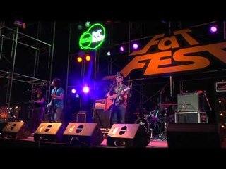 หมดคำถาม - เตเต LIVE @ FATFEST 11th ไตรภาค 2012