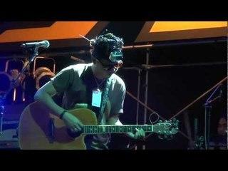 กลั้นหายใจ - เตเต LIVE @ FATFEST 11th ไตรภาค 2012