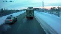 Crazy Truck Double Overtaking ! - Сумашедший двойной обгон - Жесть !