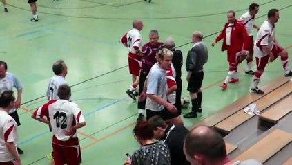 2015 – Die AH-Mannschaft beim Hallenturnier gegen Heidenheim
