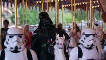 Dark Vador en visite à Disneyland Paris