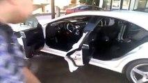 Régis lave sa voiture au car wash !!