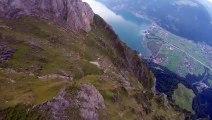 Vidéo exceptionnelle d'un vol en Wingsuit du haut d'une montagne