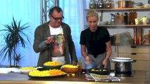 Cette Blonde Cuisine a la TV et ce qui se passe est Vraiment DROLE