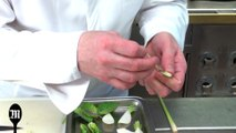 Astuce de chef : comment cuisiner la pâte de curry avec William Ledeuil ?