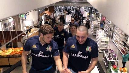Azzurri in visita da Eataly per l'abbraccio del pubblico di Roma