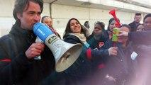 FAITES DU BRUIT ! Manif des salariés  en grève de Pitney Bowes devant le siège