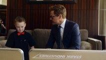 Robert Downey Jr. e Albert Manero, donano un vero braccio bionico in stile Iron Man