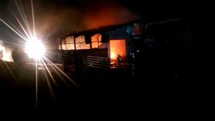 Incendie de grange à Belvaux (vidéo Arnaud/Mobile Reporter) [HD]