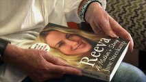 """La mère de Reeva Steenkamp """"pas concernée"""" par le sort d'Oscar Pistorius"""