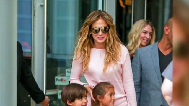 Jennifer Lopez limits kids' gadgets