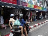 pattya street go 2 beach and diffrents shops 4 window shopping very chip and good