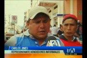 Disturbios entre vendedores informales y policías municipales en Loja