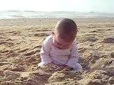 Lilou a la mer (6 mois et demi)
