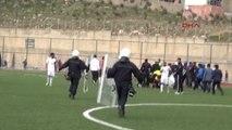 Şırnak'ta Amatör Lig Maçında Oyuncular Hakeme Saldırdı