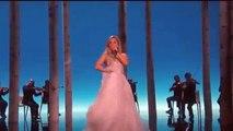 Lady Gaga Shows Her Classical Side At The Oscars / Lady Gaga montre son côté classique aux Oscars
