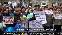 Protest faţă de agresiunea rusească la Mariupol. Sute de locuitori ai oraşului-port Mariupol din estul Ucrainei, au ieşit în stradă şi au format un lanţ uman. Oamenii au vrut să-și exprime astfel protestul faţă de agresiunea rusă.