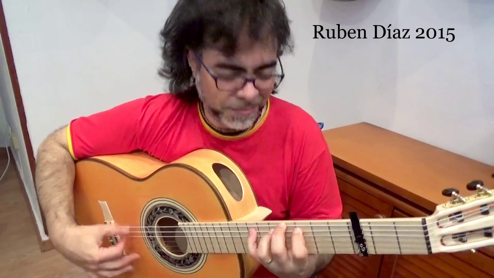 Cypress sound is over…Cherry deep blanca rocks! /Andalusian Barbero 1945 New Guitars / Andalusian Guitars Best Flamenco Guitars of Spain / Endorsed by Paco de Lucia / Cherry & Fresno