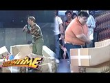 Jhong and Dumbo, doing stunts in Sine Mo To!