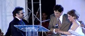 Qawi Khan winner of Special Award for Drama in Indus Drama Award 2005, presented by Babra Sharif