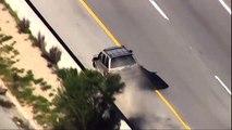 Un chauffard en fuite sort de sa voiture habillé d'un maillot du PSG