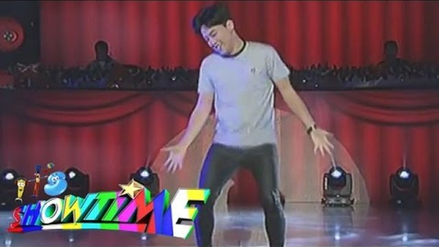 Ryan Bang nag-solo sa Billy-Vhong opening number