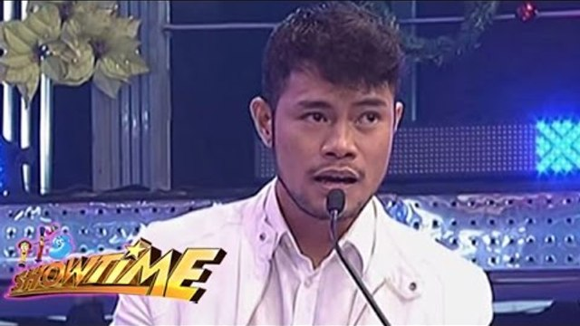 Bugoy Drilon sings Rude on It's Showtime