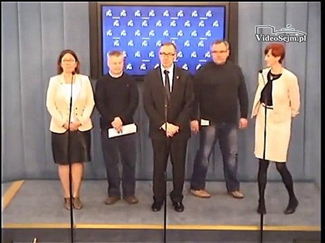 Elżbieta Rafalska, Beata Mazurek, Stanisław Szwed - konferencja z 19 marca 2015 r.