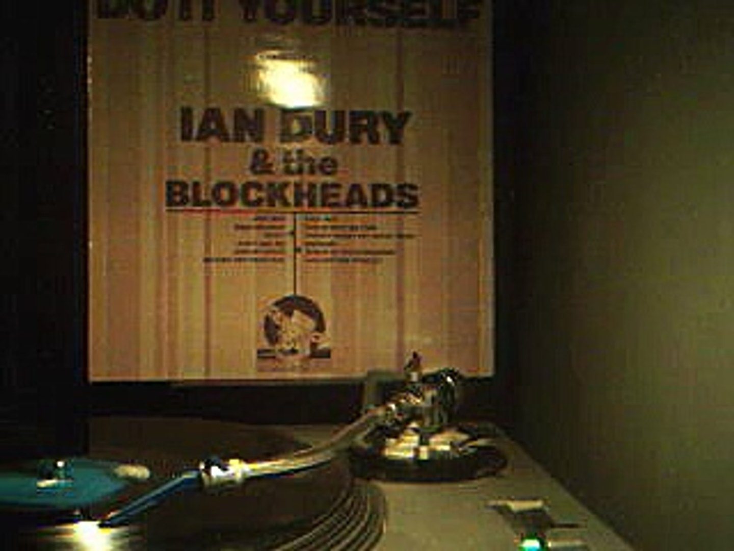 Ian Dury & the Blockheads - Waiting for Your Taxi
