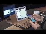 Un clavier en bois, connecté par Bluetooth
