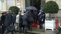 Crash dans les Alpes : le roi Felipe VI d'Espagne, Hollande et Valls assistent à la cellule de crise