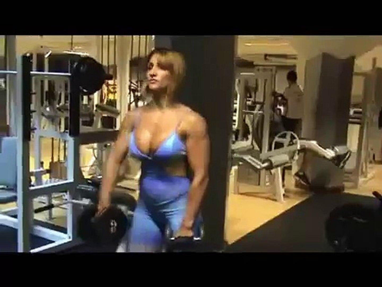 Webcam Muscle Girl Sexy Fitness Model Flexing Big Muscle Girls