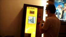 Check out this Orange Squeezing Juice Vending Machine