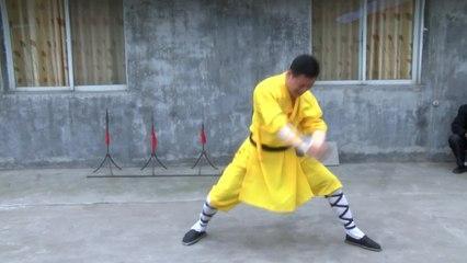 Nem furadeira na cabeça atrapalha este mestre em Shaolin Kung Fu!