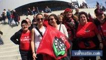 Les supporters du RCT devant le Vélodrome à Marseille