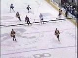 Hockey - Magnifique reprise de volée de Magnus Paajarv