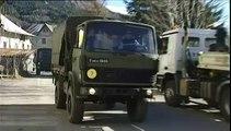 Crash dans les Alpes : des engins de chantier aménagent une piste terrestre vers le site