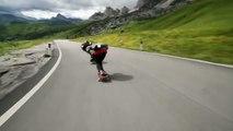 2 riders descendent les routes des ALPES à fond! Downhill de dingue...